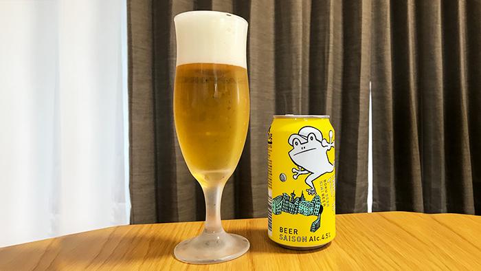 グラスに注いだ僕ビール君ビール